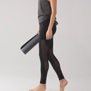 Black lululemon